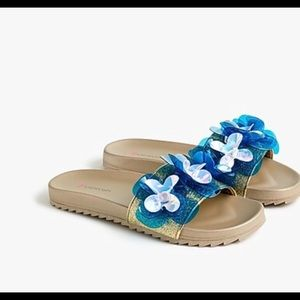 🎉HP🎉 NWT Crewcuts girl sandals w/sequin flowers.